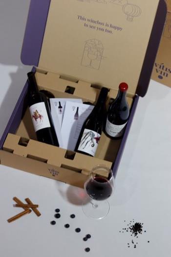 Maandelijkse Deluxe Box met 4 Flessen - 1 Jaar